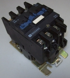 Contator (modelo: LC1D4011)
