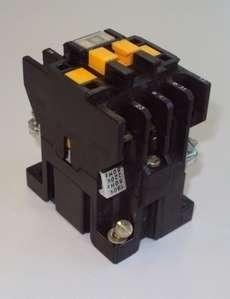 Contator (modelo: CA2DN122)