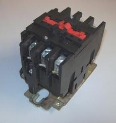 Contator (modelo: LC1D633)