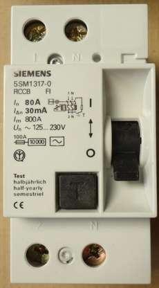Disjuntor (modelo: 5SM1317080A)