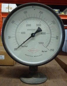 Manometro (escala: 5000lbs/pol2 350kg/cm2)