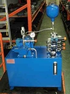 Unidade hidráulica para torno automático