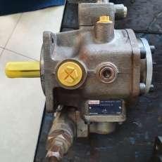 Bomba hidráulica (modelo: PV7171620RE01MC016)